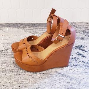 Cognac brown vegan high wedge sandals sz6½